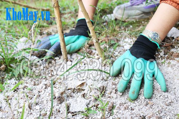 Găng tay làm vườn có móng 3A giúp bạn tránh tiếp xúc với hóa chất