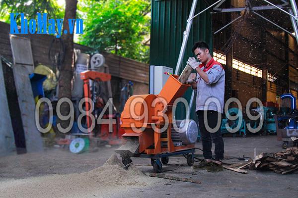 Máy băm gỗ thành mùn cưa, máy băm ỗ, máy nghiền cây gỗ,
