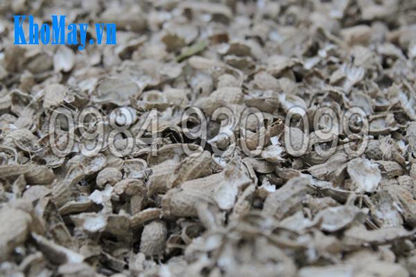 Vỏ đậu phộng được tách bởi máy tách vỏ đậu phộng 3A3Kw