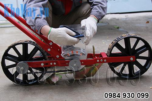 Vệ sinh Dụng cụ gieo hạt một hàng kiểu xe đẩy 3A